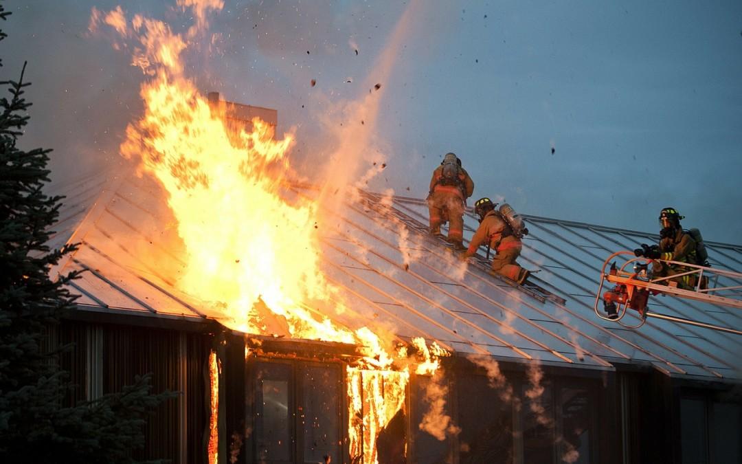 Qué hay que hacer ante un incendio en el hogar (III)