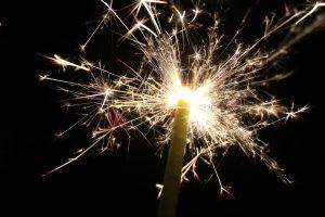 sparklers-143036_1280